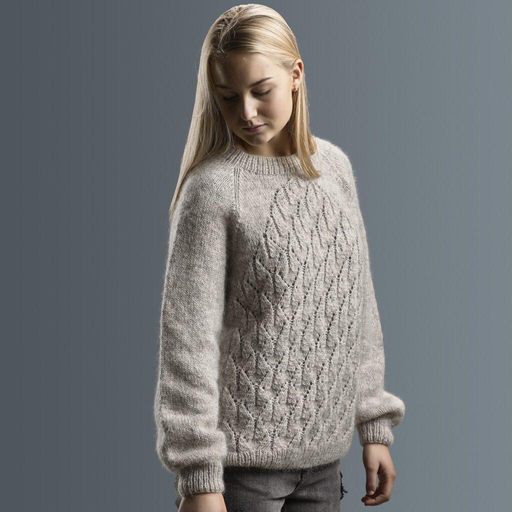 Lotus sweater, side 1800