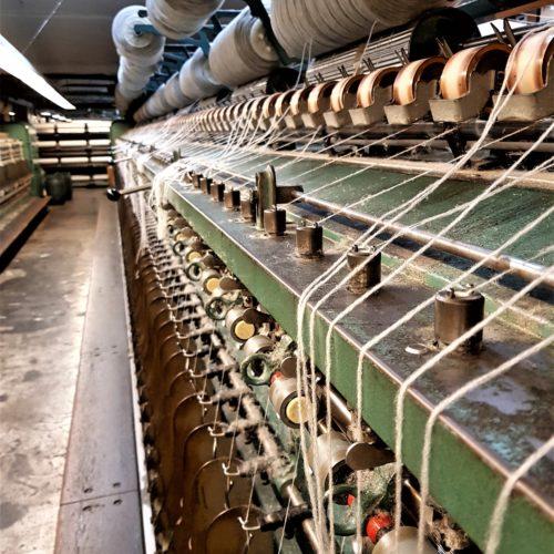 Henrichsens Uldspinderi – fra får til strikkepind