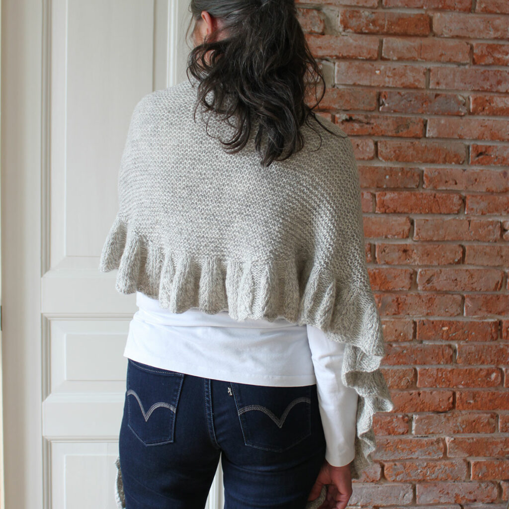 Feather-scarf-BZ,-ryg-0