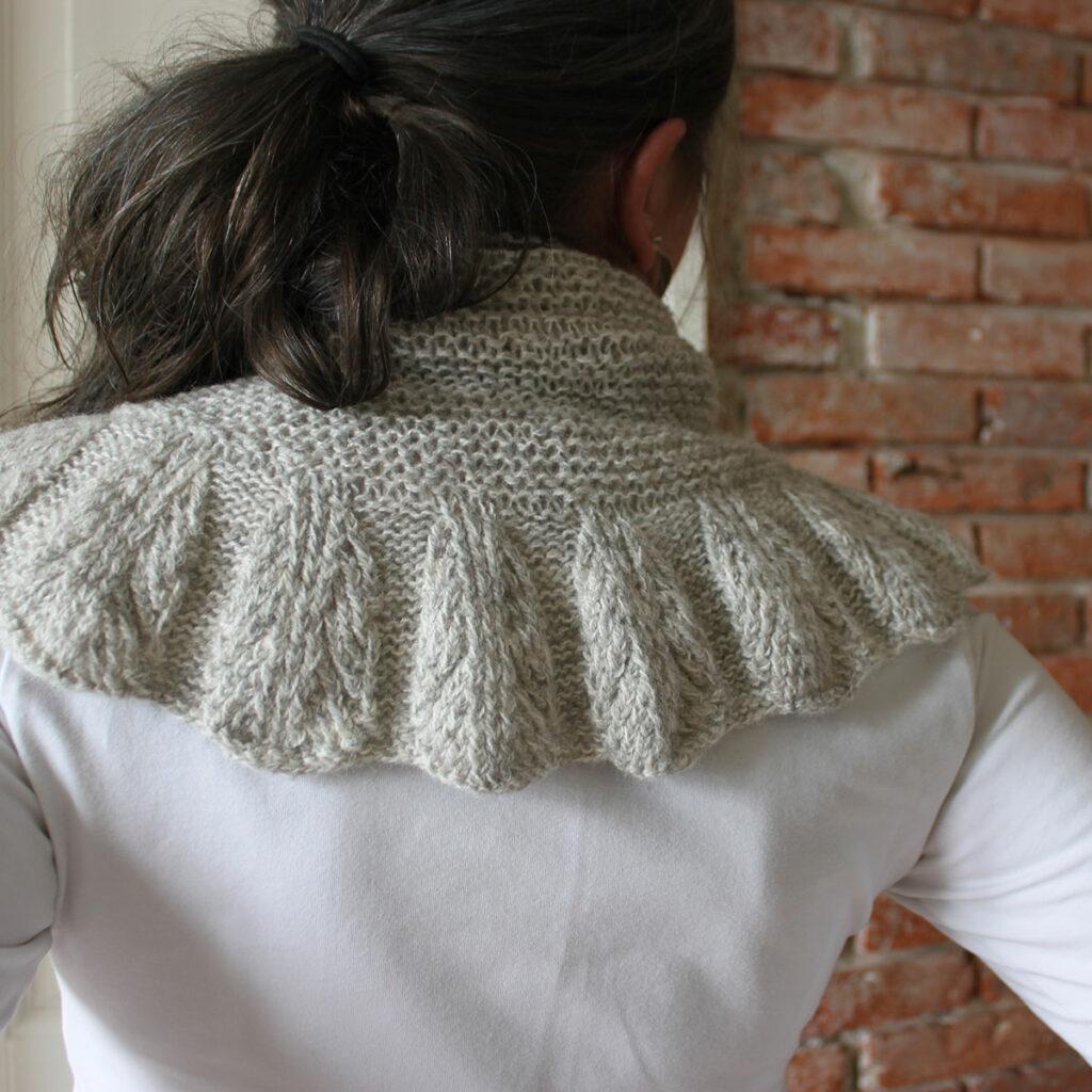 Feather-scarf-BZ,-ryg